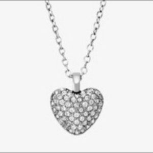 NWT Michael Kors Dainty Heart Necklace